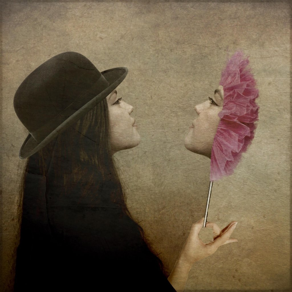 A woman with black hair wearing a bowler hat looks at a three-dimensional mirror image of her face